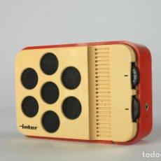 Vintage: RADIO TRANSISTOR AM INTER BLANCO ROJO VINTAGE RETRO SPACE AGE ESPAÑA 70'S. Lote 135760650