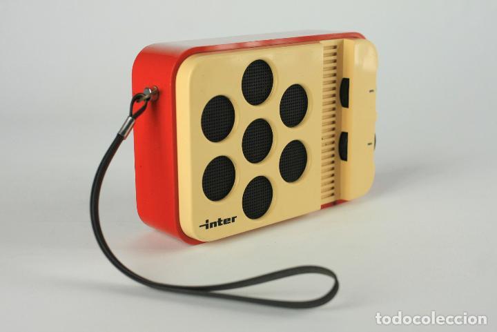 Vintage: radio transistor AM Inter blanco rojo vintage retro space age españa 70's - Foto 2 - 135760650