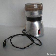 Vintage: MOLINILLO DE CAFE MARCA TAURUS AÑOS 60 DE ALUMINIO //FUNCIONA// VINTAGE RETRO DISEÑO INDUSTRIAL. Lote 165927164