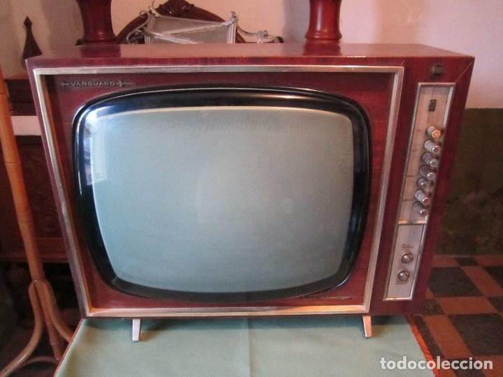 GRAN TELEVISOR VANGUARD RETRO VINTAGE - TELEVISIÓN A VÁLVULAS/LÁMPARAS (Vintage - Varios)