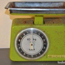 Vintage: PESA DE COCINA SFUBE AÑOS 60. Lote 138552218