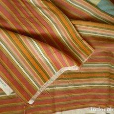 Vintage: ANTIGUO RETAL DE TELA A RAYAS (AÑOS 60-70) MEDIDA 3 X 1,60 METROS - DUNKERKE COLECCION G.L. DECORAR. Lote 140052530