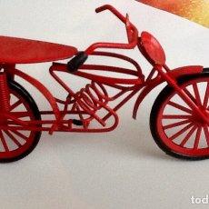 Vintage: BICICLETA DE ADORNO METAL ROJO LARGO 17 CM APROX.. Lote 140081465