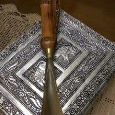 Vintage: CALZADOR CON MANGO BAMBU. Lote 141575185