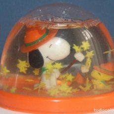 Vintage: BOLA DE NIEVE SNOOPY - UTTERFLY ORIGINALS - MADE IN HONG KONG - AÑOS 70. Lote 142351198