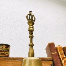Vintage: CAMPANA DE MANO DE BRONCE O LATÓN CAMPANILLA COREA. Lote 142780525