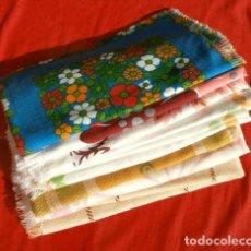Vintage: 11 SERVILLETAS VINTAGE (AÑOS 60-70) ESTAMPADOS DE COLORES VARIOS. Lote 144410482