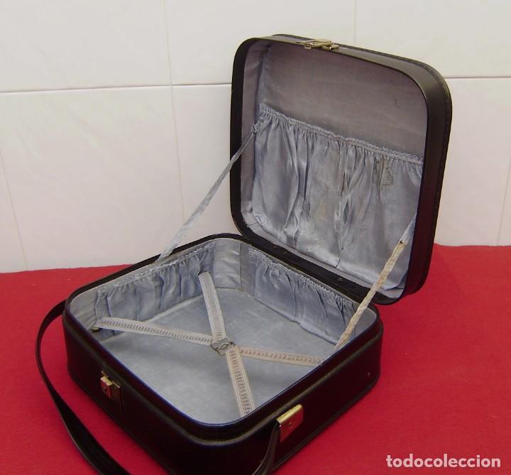 Vintage: Maleta maletin de fin de semana de viaje color negro.Con llave. - Foto 5 - 145849506