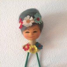 Vintage: PERCHERO INFANTIL CABEZA DE FIELTRO, AÑOS 60/70. Lote 146731882