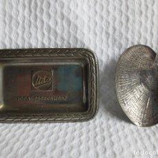 Vintage: LOTE DE 2 BANDEJAS UNA DE LA MARCA CHOCOLATE UÑA Y LA OTRA EN FORMA DE CONCHA. Lote 147458366