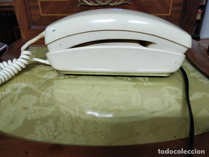 Vintage: Antiguo teléfono Góndola color crema, telefónica, cables en perfecto estado. - Foto 2 - 150204570