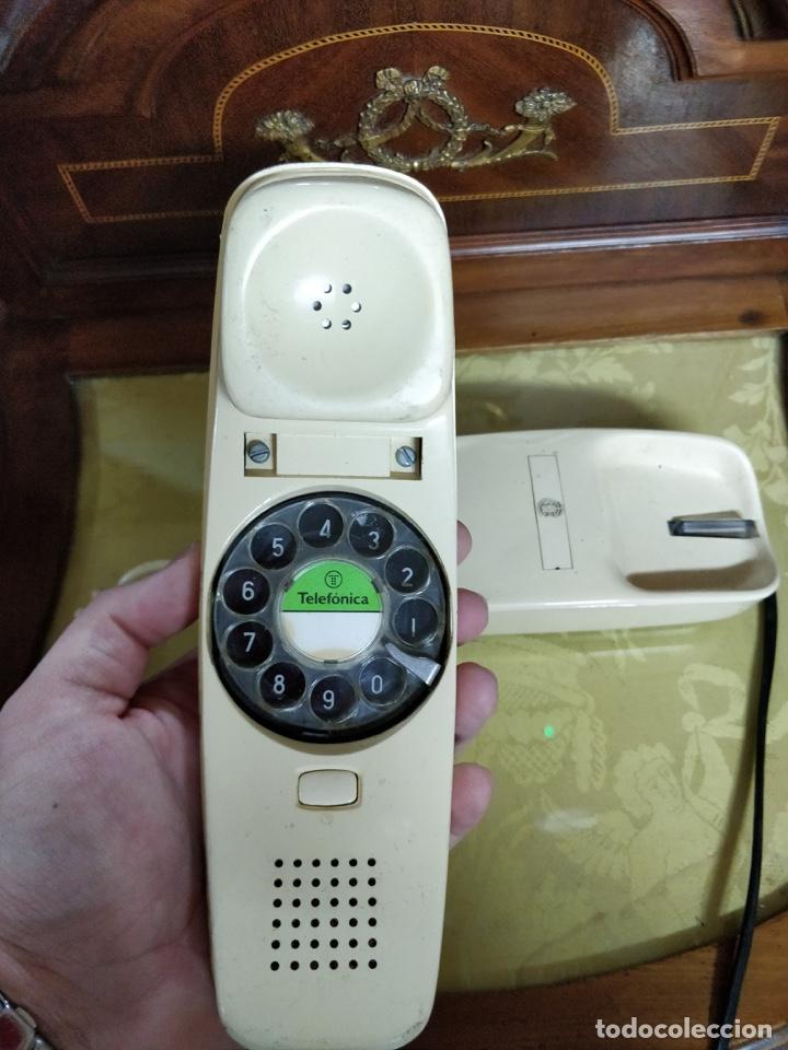 Vintage: Antiguo teléfono Góndola color crema, telefónica, cables en perfecto estado. - Foto 3 - 150204570