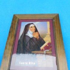 Vintage: SANTA RITA, 42 X 32 CM, PASPARTÚ, TRASERA CHAPA MADERA, MARCO DE MADERA VETEADA.. Lote 149406070