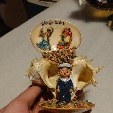 Vintage: ANTIGUAS CARACOLAS / CONCHAS / ALMEJAS DE MAR RECUERDO DE CADIZ DE LOS AÑOS 60. Lote 153265610