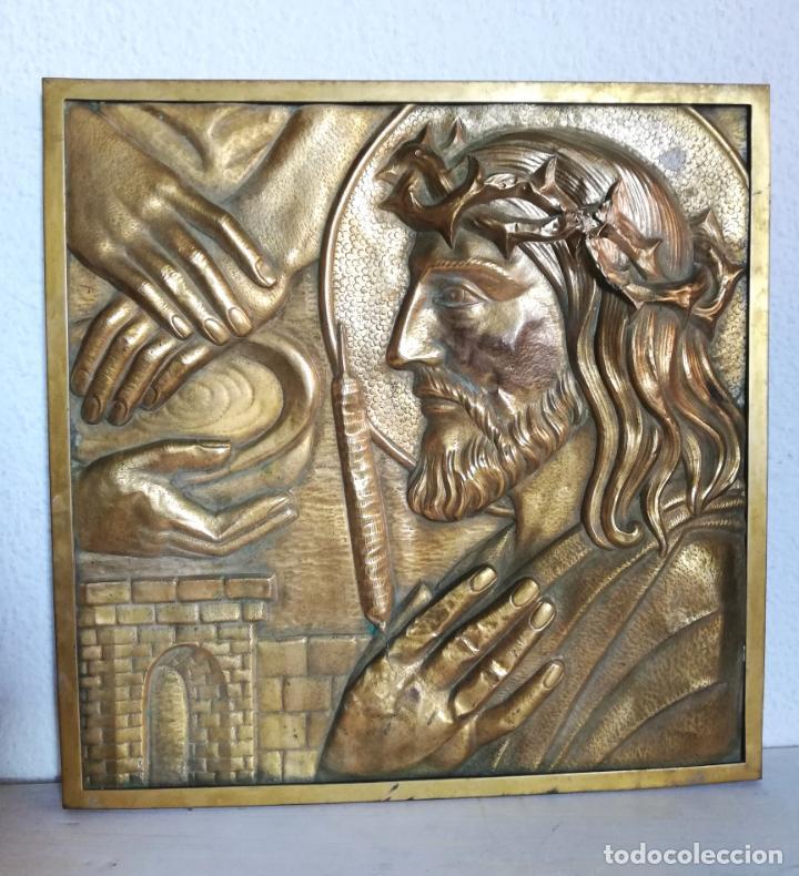 ANTIGUO CUADRO DE CRISTO, JESUCRISTO, O JESÚS. METAL, BRONCE O LATÓN. (Vintage - Decoración - Varios)