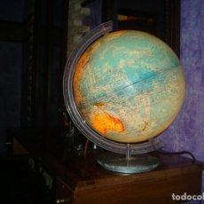 Vintage: GLOBO TERRAQUEO BOLA DEL MUNDO CON BASE METALICA Y LUZ IDENTIFICADA EN LA BASE VINCON. Lote 155693510