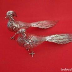 Vintage: PAREJA DE PAVOS REALES EN METAL PLATEADO. EN PERFECTO ESTADO.. Lote 155811938