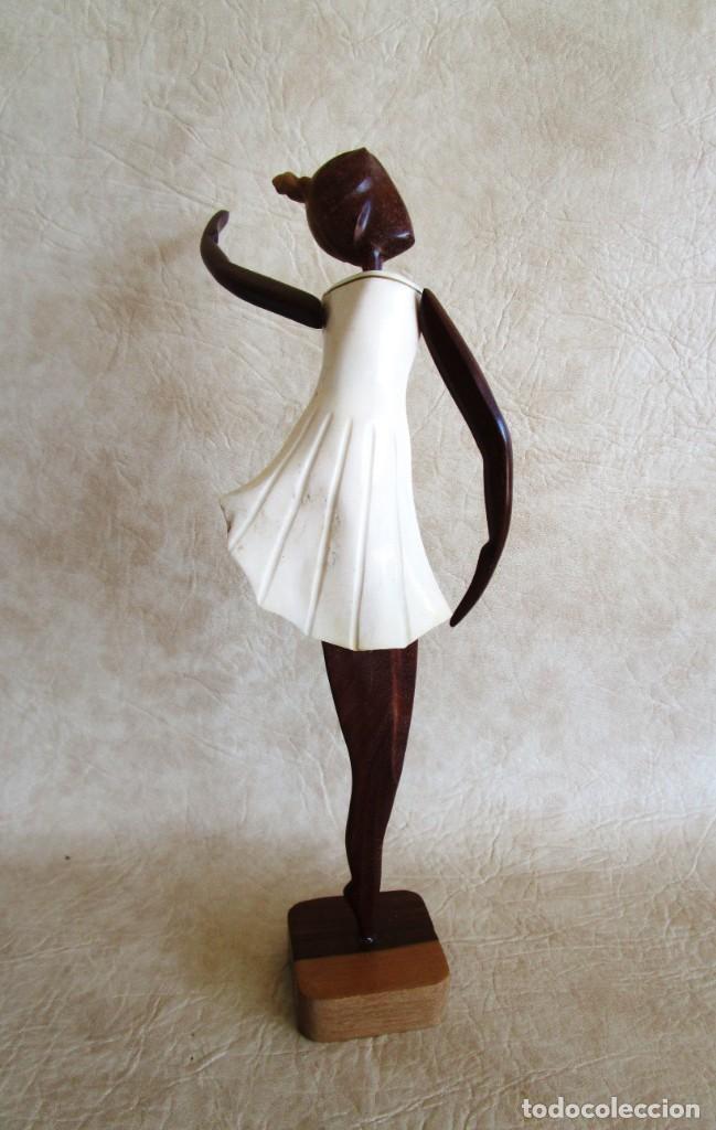 Vintage: Antigua talla de madera figura de bailarina cuerpo de cuerno blanco - Foto 3 - 155956078