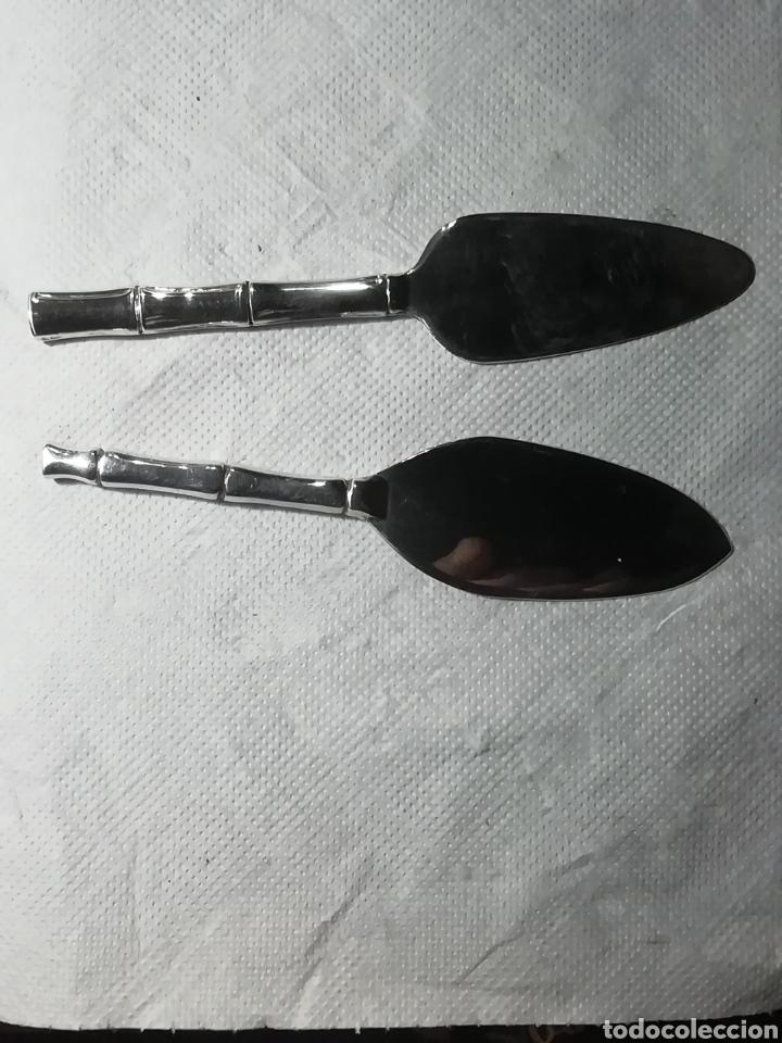 Vintage: Dos utensilios creo para pescado, no se si son de plata o baño tienen marcas que no se de que son - Foto 3 - 156509981