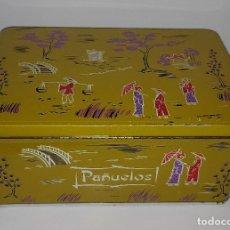 Vintage: ANTIGUA LATA PAÑUELOS COLACAO COLA CAO AÑOS 60 - 70. Lote 156883106