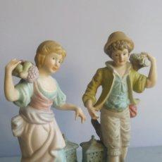 Vintage: PAREJA DE FIGURAS BISCUIT.. Lote 157772914