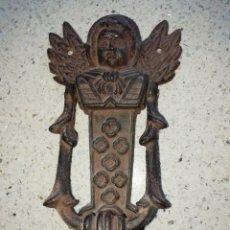 Vintage: LLAMADOR PARA PUERTA EN HIERRO COLADO FIGURA DE ANGEL ALADO . Lote 159725142