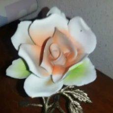 Vintage: ROSA DE BISCUIT Y BRONCE, VINTAGE O ANTIGUA. Lote 160544206