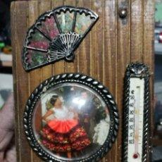 Vintage: COLGADOR DE LLAVES. LLAVERO. CUELGA LLAVES AÑOS 70 RECUERDO DE ESPAÑA. Lote 160641790