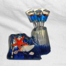 Vintage: VINTAGE - JUEGO METACRILATO PINCHITOS APERITIVOS - AÑOS 60/70. Lote 161004678