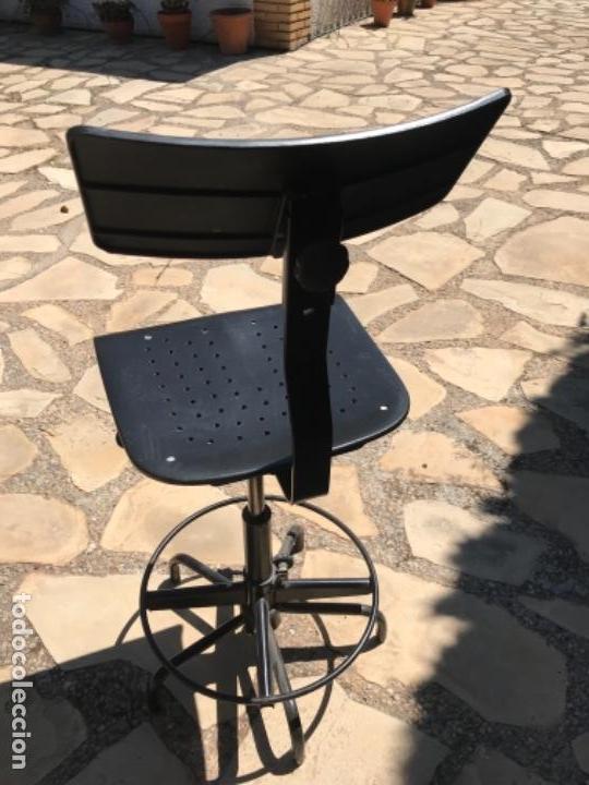 Vintage: Taburete regulable. Silla alta giratoria. - Foto 4 - 161557050