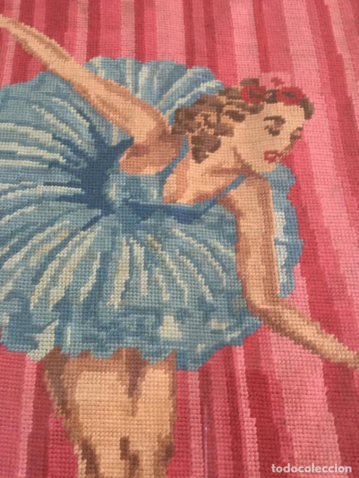Vintage: Cuadro vintage Kitch bailarina hecho en punto de cruz marco original y cristal - Foto 2 - 161979338