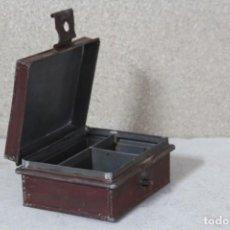Vintage: CAJA METÁLICA DE TRABAJO. Lote 162527582