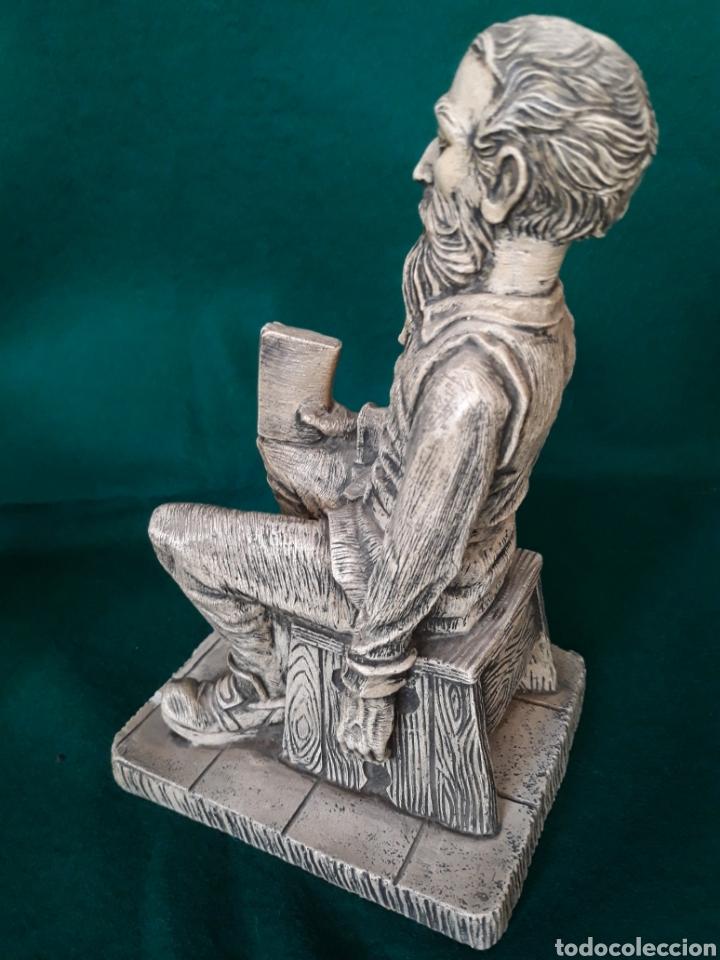 Vintage: Figura AMADIS de GAULA en resina ( hombre reflexionando sobre la lectura ) - Foto 3 - 164192544