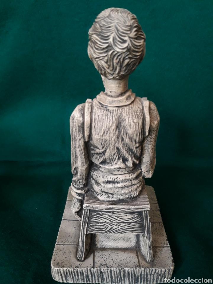 Vintage: Figura AMADIS de GAULA en resina ( hombre reflexionando sobre la lectura ) - Foto 4 - 164192544