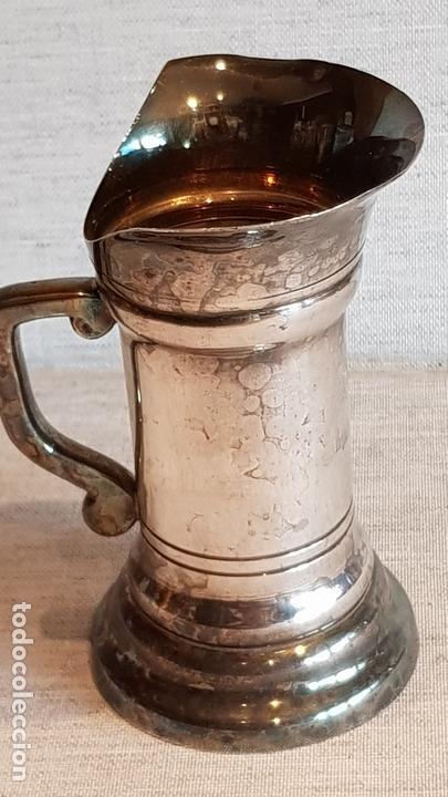 Vintage: PAREJA DE JARRITAS DE MEDIDA EN LATÓN PLATEADO/ DE 9 Y 10 CM DE ALTO / EN BUEN ESTADO. - Foto 6 - 164910050