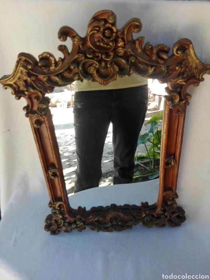 Vintage: Espejo de resina estilo barroco con policromia al pan de oro - Foto 3 - 165927416
