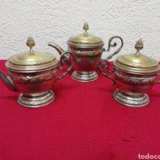 Vintage: JUEGO DE CAFÉ DE TRES PIEZAS EN METAL. COMO SE MUESTRA EN LAS FOTOS.. Lote 167363270