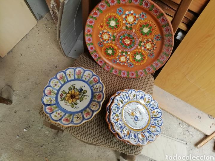 Vintage: Juego platos cerámica. Lote de 3 platos. Talavera - Foto 3 - 168207845