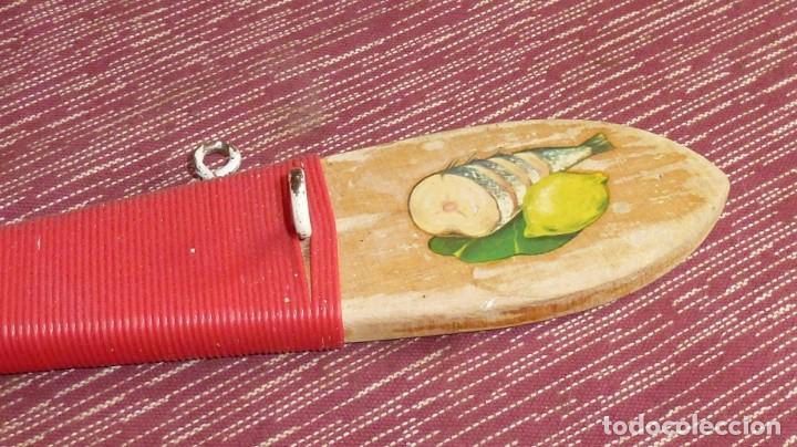 Vintage: Antigua - Percha de madera en forma de cuchara para cocina. - Foto 3 - 169243116