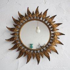 Vintage: ESPEJO SOL CIRCULAR. FORJA PAN DE ORO. AÑOS 60. . Lote 170063064