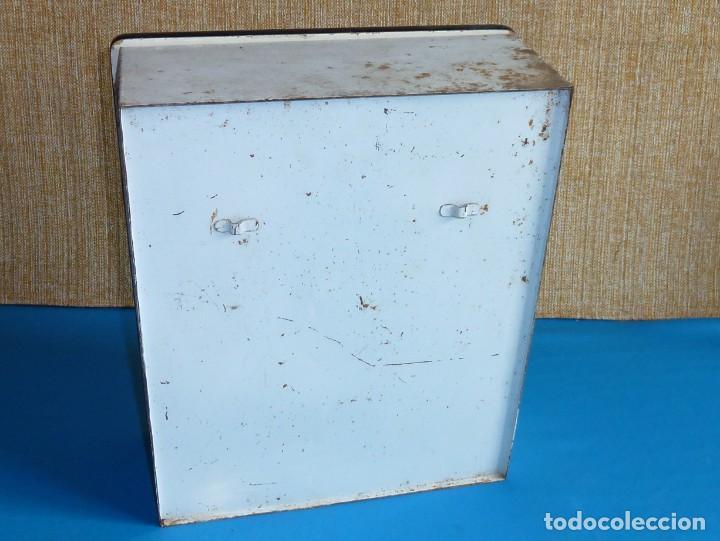 Vintage: Armario de baño botiquin metalico y madera. - Foto 6 - 170573124