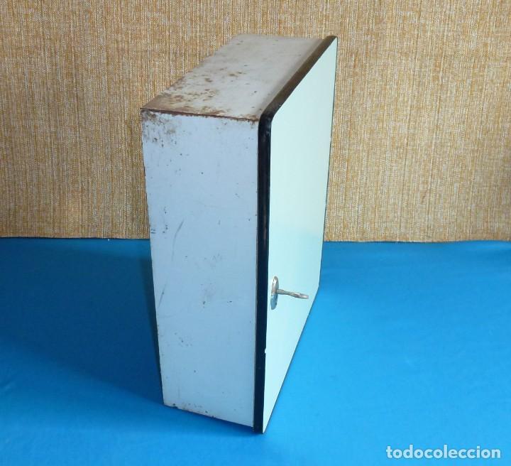 Vintage: Armario de baño botiquin metalico y madera. - Foto 8 - 170573124
