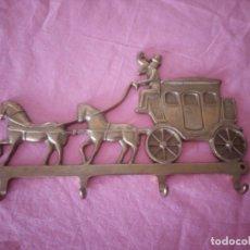 Vintage: PRECIOSO PERCHERO DE BRONCE,CARRUAJE DE CABALLOS.PARA LLAVES.. Lote 172185952