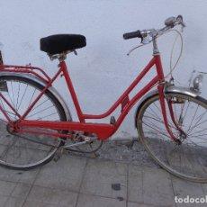 Vintage: BICICLETA DE MUJER VINTAGE BH, COMPLETA Y EN BUEN ESTADO, FUNCIONANDO. Lote 172569638