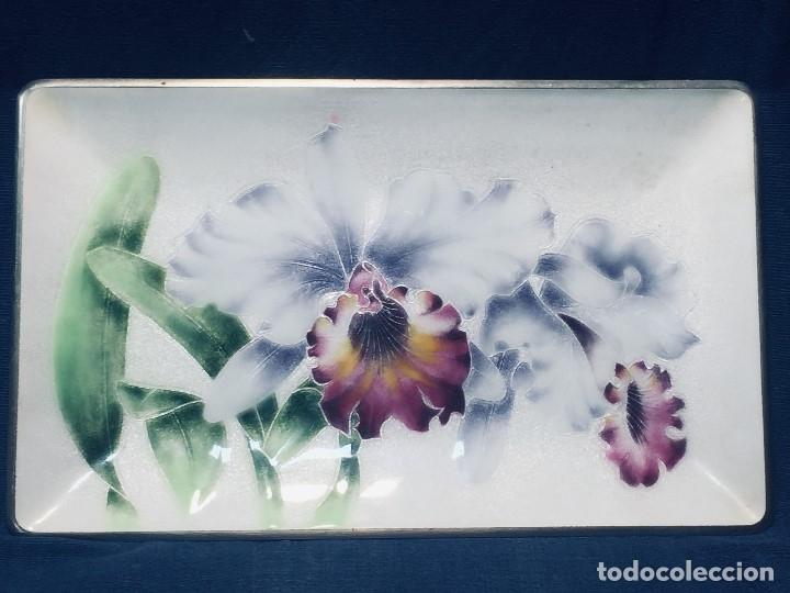 BANDEJA JAPONESA METAL ESMALTE IRISES IRIS FLORES FLOR 19X31 CM MARCA TUTANKA JTA (Vintage - Decoración - Varios)