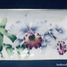 Vintage: BANDEJA JAPONESA METAL ESMALTE IRISES IRIS FLORES FLOR 19X31 CM MARCA TUTANKA JTA . Lote 172792955