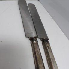 Vintage: CUCHILLOS DE UNTAR DE PLATA CON INSCRIPCIÓN. Lote 174048078