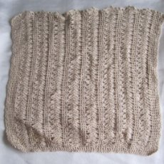Vintage: TAPETE GANCHILLO CROCHET BEIGE HECHO A MANO. Lote 174715455