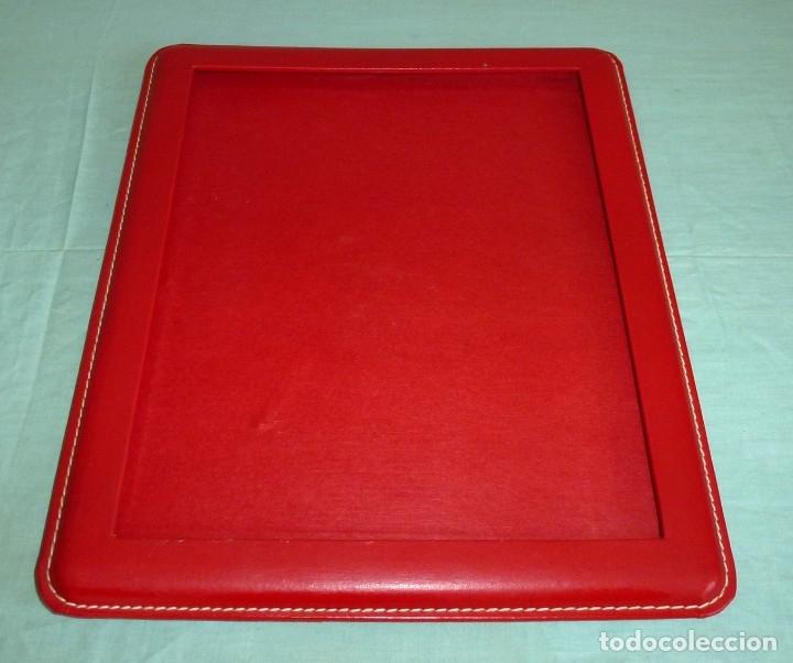 Vintage: Portafotos similar a piel rojo vintage. - Foto 3 - 174997527