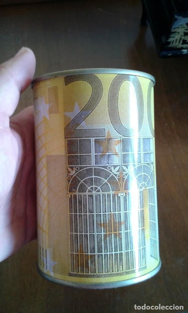 Vintage: HUCHA DE LATA CON IMAGEN DE BILLETE DE 200 EUROS. - Foto 2 - 176286159